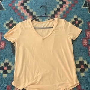 American eagle yellow short sleeve